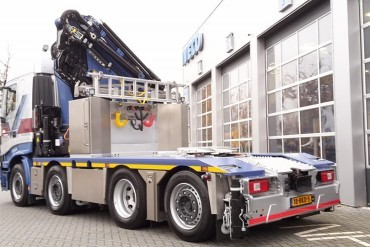 CCH bouwt HMF 8520 op Iveco 8x4