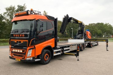 Volvo combinaties met RAF aanhanger voor Land Transport