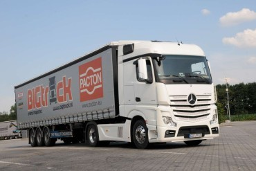 Mercedes-Benz Uptime integreert trailerbewaking