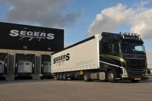 Zestien Schmitz Cargobull trailers voor Segers Internationaal Transport